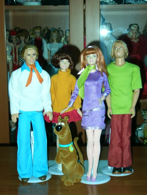 scoobydollgroup.jpg